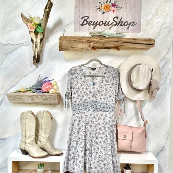 TOPSHOP sweet BOHO dress in delicate floral 💐✨